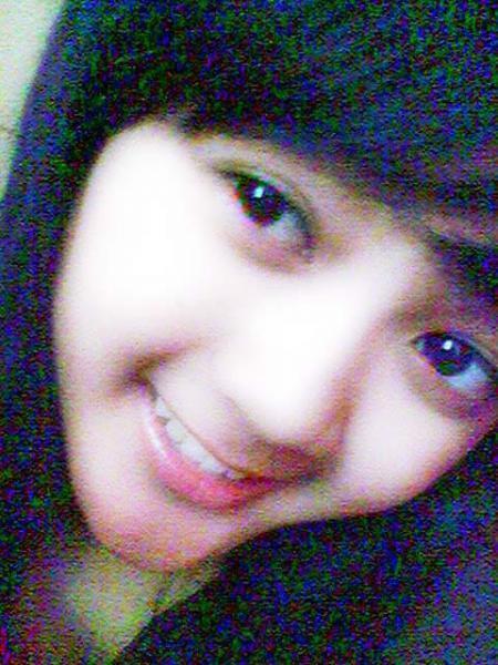 cewek senyum