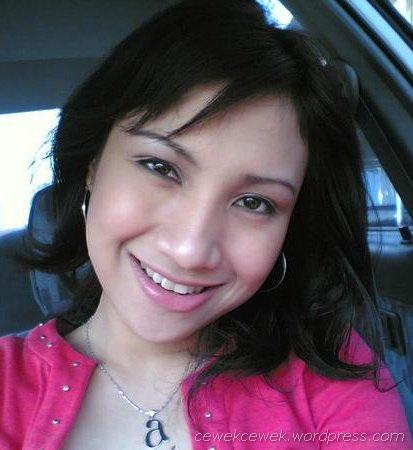 senyum manis cewek cantik friendster facebook indonesia